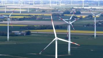 warnstreifen an windmühlenflügel retten keine vögel