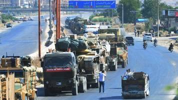 Syrien: Luftangriff auf türkischen Militärkonvoi in Provinz Idlib