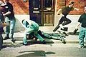 Attacke bei WM 1998 in Frankreich - Schlug Polizisten halbtot: Nivel-Schläger Christopher R. wieder vor Gericht