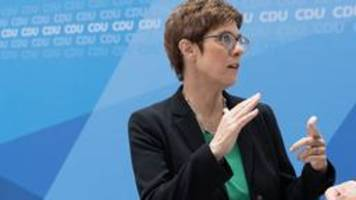 SPD-Kritik an Kramp-Karrenbauer: Herumeiern im Fall Maaßen
