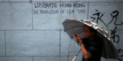 Propaganda nach Hongkong-Protesten: Twitter und Facebook sperren Konten