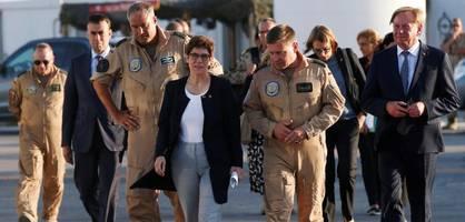 Kramp-Karrenbauer wirbt im Irak für Kampf gegen den IS