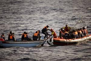 ": Spanien schickt Marineschiff zur ""Open Arms"""