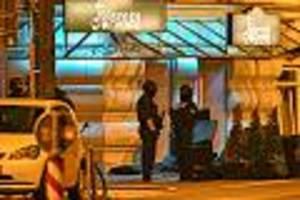 Im Zentrum Magdeburgs - Schießerei vor Shisha-Bar - mehr als 25 Festnahmen