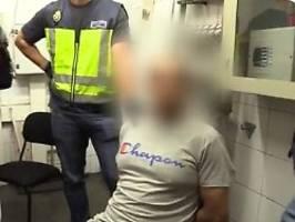 Hunderte Frauen betroffen: Filmender Voyeur auf frischer Tat ertappt