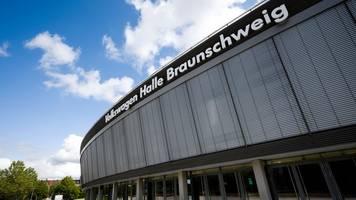 VW will bei AfD-Parteitag in VW-Halle Namen abdecken lassen