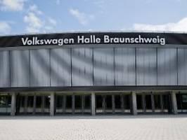AfD-Parteitag in VW-Halle: Betriebsrat will Volkswagen-Namen verhüllen