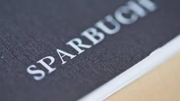 Fragen und Antworten: Strafzinsen für Kleinsparer? Politik prüft Verbot