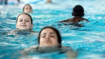 Halle: Urteil zum Schwimmunterricht: Muslimische Schülerin muss nicht nackt duschen