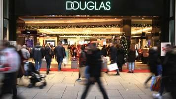 Sparkurs: Parfümeriekette Douglas will rund 70 Filialen schließen