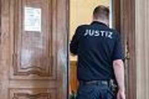 Urteil in Berlin - Lockten Schülerin (16) in eine Falle: Gruppenvergewaltiger zu langer Haft verurteilt