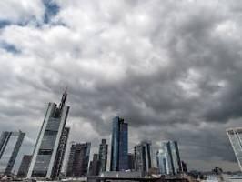 abschwung soll sich fortsetzen: kanzleramt rechnet mit rezession