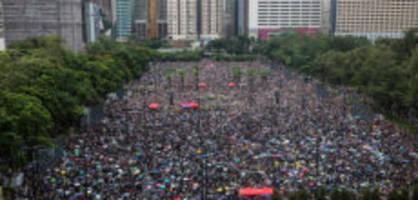 indirekte kritik an china: youtube löscht 210 kanäle zu hongkong