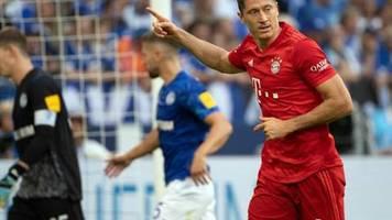 Bundesliga: Lewandowski führt Bayern mit Dreierpack auf Schalke zum Sieg