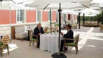 Trump berichtet der Welt von Treffen mit Emanuel Macrone