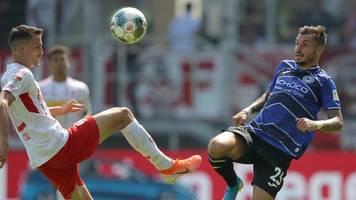 Bielefeld springt mit Sieg in Regensburg an Zweitliga-Spitze