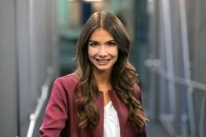 Tochter von Schalke-Coach veräppelt Video-Schiedsrichter