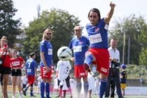 Fußball: Placebo-Kickers siegen bei Kicken mit Herz