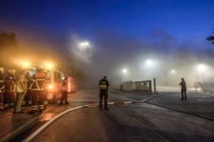 Hamburg: Feuer in Entsorgungsbetrieb in Stellingen ausgebrochen
