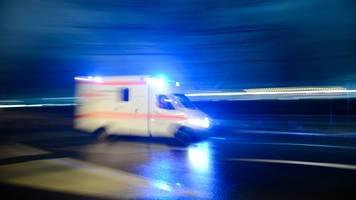 Quadfahrer bei Sturz lebensgefährlich verletzt