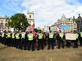 Bedrohliche Szenen am Parlament: Brexit-Hooligans verbreiten Angst in London