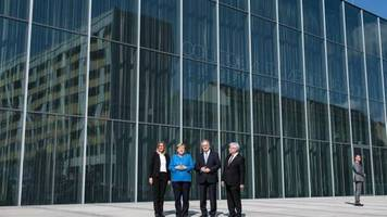 «Umarmung der Stadt»: Neues Bauhaus Museum zwischen Transparenz und Spiegeln