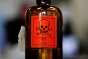Prozess beginnt: Giftmord mit E 605: Anklage gegen drei junge Lütjenseer