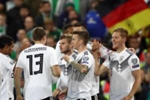 Wackliger Sieg: Halstenberg bringt DFB-Team auf EM-Kurs
