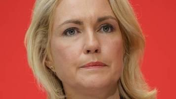 Ministerpräsidentin in Schwerin: Manuela Schwesig legt nach Krebsdiagnose SPD-Vorsitz nieder