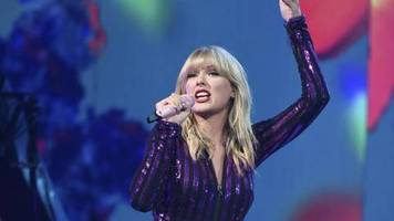 Auftaktparty: Taylor Swift hält Hof im Pariser «Olympia»