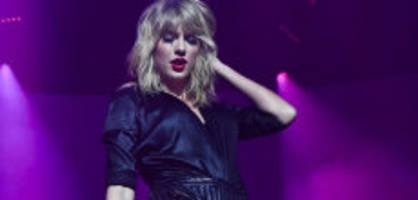 Superstar in Paris: Wir waren bei Taylor Swifts kleinster Show dabei