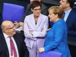 Bundestag: Die zufriedene Kanzlerin