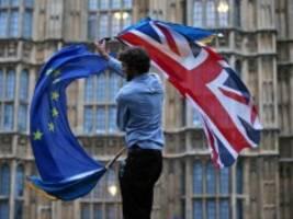 Forderung des Unterhauses: Britische Regierung veröffentlicht Teil der Brexit-Dokumente