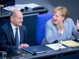 Generaldebatte im Bundestag: Merkel erläutert ihre Politik