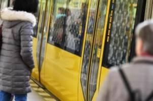 Verkehr: Bericht: Deutlich weniger Schwarzfahrer in Berlin angezeigt
