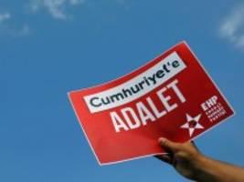Urteil in Istanbul: Freispruch für frühere Cumhuriyet-Mitarbeiter