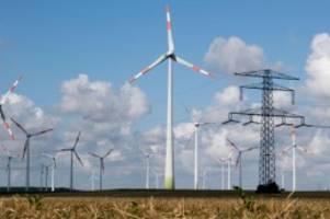 Energie: Flaute bei Windkraft-Ausbau: Tempo vom Bund gefordert