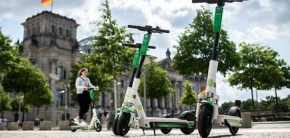 CDU will wild abgestellte E-Scooter in Berlin verschrotten