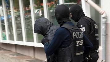 Razzien und Beschlagnahmungen - Experten: Kampf gegen Clan-Kriminalität zeigt Wirkung