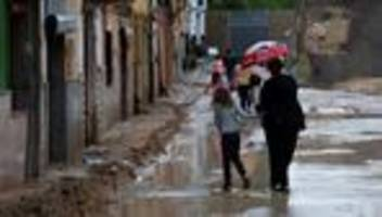 Unwetter: Erste Tote durch Hochwasser