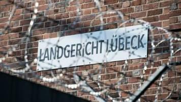 23-Jähriger wegen Mordes mit Pflanzenschutzmittel in Lübeck vor Gericht
