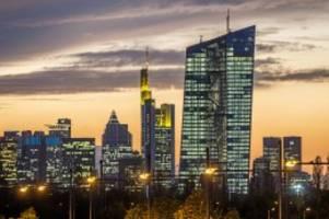 Banken: EZB-Entscheidung: Das bedeuten die Strafzinsen für Sparer