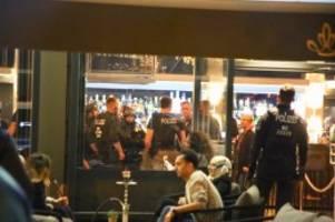 Kriminalität : Polizei führt Großrazzia in Charlottenburg durch