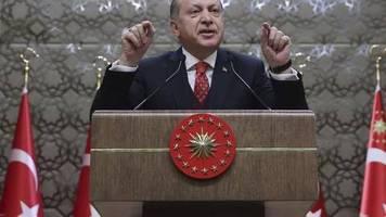 Mehr als sechs Jahre Haft: Bericht: Deutsche in der Türkei zu langer Haft verurteilt