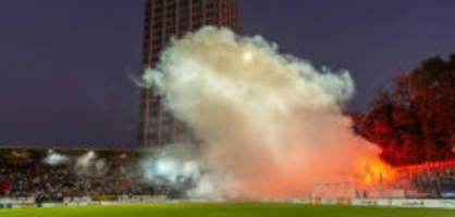 Cup-Out in Winterthur: Fans des FC St. Gallen greifen Polizisten an