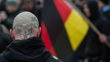 deutlich mehr gefährder - rechtsextremismus: regierung sieht beunruhigende entwicklung