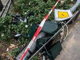 Polizei ermittelt Hintergründe: Polizei durchsuchte Wohnung von SUV-Fahrer