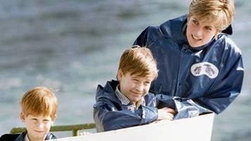 Söhne von Prinzessin Diana: Fast Food und Trash-TV: Diese Samstagabend-Tradition liebten Prinz William und Prinz Harry
