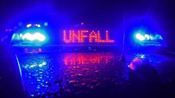 Betrunkener rammt acht Fahrzeuge: Zeuge zieht ihn aus Auto