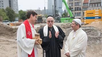 Berlin: Gotteshaus für Christen,  Juden und Muslime entsteht